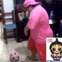 Futebol dentro de casa no final de semana
